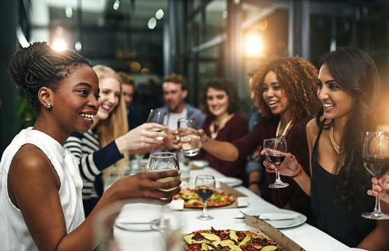 Dining Out - 6 Tips For A Healthy Eating Out #FrizeMedia
